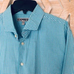 Men's blue plaid shirt